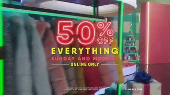 Old Navy TV Spot, 'Holiday Stress: 50 Percent Off Everything Online' Featuring Neil Patrick Harris - Thumbnail 7