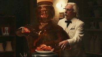 KFC Chicken & Waffles Nashville Hot TV Spot, 'Delicious Union' Song by The Righteous Brothers - Thumbnail 4