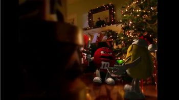M&M's TV Spot, 'Fainting Santa' - Thumbnail 4
