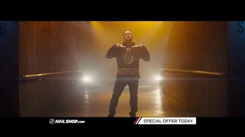 NHL Shop TV Spot, 'A Classic Thanksgiving Showdown' - Thumbnail 1