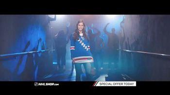 NHL Shop TV Spot, 'A Classic Thanksgiving Showdown' - Thumbnail 2