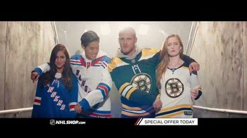 NHL Shop TV Spot, 'A Classic Thanksgiving Showdown' - 1 commercial airings