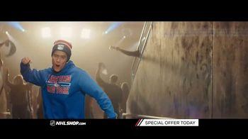 NHL Shop TV Spot, 'A Classic Thanksgiving Showdown' - Thumbnail 6