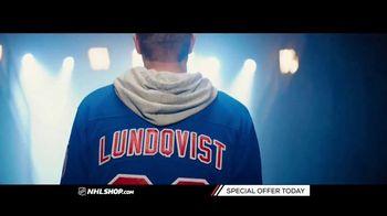 NHL Shop TV Spot, 'A Classic Thanksgiving Showdown' - Thumbnail 8