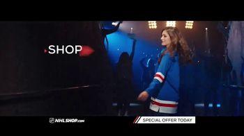 NHL Shop TV Spot, 'A Classic Thanksgiving Showdown' - Thumbnail 9