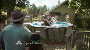 Farmers Insurance TV Spot, 'Hall of Claims: Gold Medal Grizzly' - Thumbnail 7