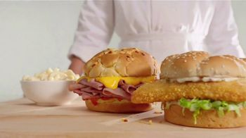 Arby's 2 for $5 Faves You Crave TV Spot, 'Absolutely Certain' Song by YOGI - Thumbnail 5