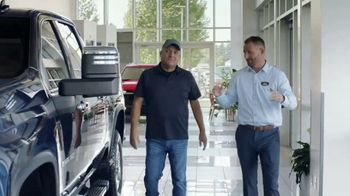 Chevrolet Silverado HD TV Spot, 'Heavy Duty Test-Drive' [T1] - Thumbnail 2