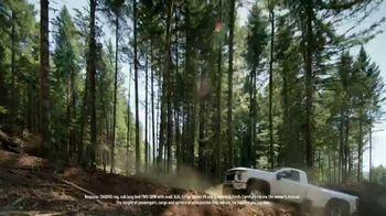 Chevrolet Silverado HD TV Spot, 'Heavy Duty Test-Drive' [T1] - Thumbnail 9
