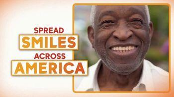 Smile With Lays TV Spot, 'GMA: Spread Smiles Across America' - Thumbnail 5