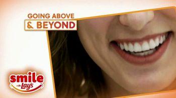 Smile With Lays TV Spot, 'GMA: Spread Smiles Across America' - Thumbnail 6