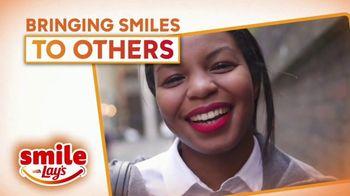 Smile With Lays TV Spot, 'GMA: Spread Smiles Across America' - Thumbnail 7