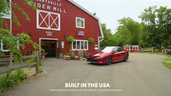 2019 Toyota Camry TV Spot, 'USA Road Trip: Cider Mill' Featuring Ethan Erickson, Danielle Demski [T2]