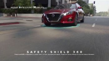 2020 Nissan Altima TV Spot, 'Roller Derby' Song by The Donnas [T2] - Thumbnail 5