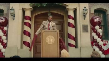 Dr Pepper TV Spot, 'Fansville: Big Fan Rising' Featuring Eddie George, Brian Bosworth - Thumbnail 3