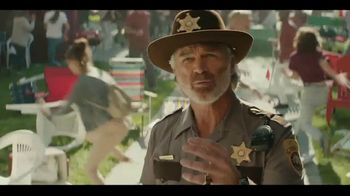 Dr Pepper TV Spot, 'Fansville: Big Fan Rising' Featuring Eddie George, Brian Bosworth - Thumbnail 6