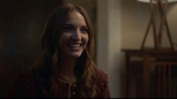 Hallmark Gold Crown Stores TV Spot, 'Valentine's Day: What's For Dinner' - Thumbnail 2