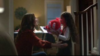 Hallmark Gold Crown Stores TV Spot, 'Valentine's Day: What's For Dinner' - Thumbnail 3