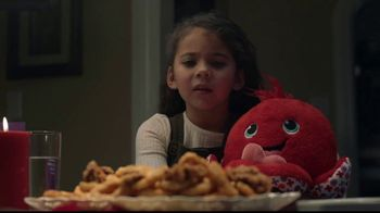 Hallmark Gold Crown Stores TV Spot, 'Valentine's Day: What's For Dinner' - Thumbnail 6