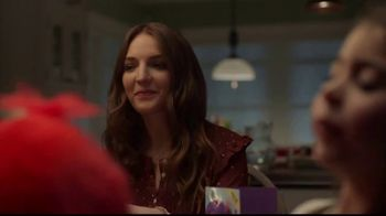 Hallmark Gold Crown Stores TV Spot, 'Valentine's Day: What's For Dinner' - Thumbnail 9