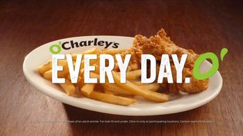 O'Charley's TV Spot, 'Basket of Rolls - Thumbnail 7