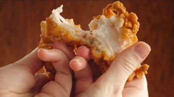 O'Charley's Double Hand-Breaded Chicken Tenders TV Spot, 'Won't Eat Themselves' - Thumbnail 3