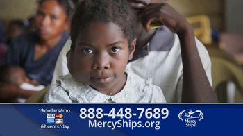 Mercy Ships TV Spot, 'Lining Up' - Thumbnail 10