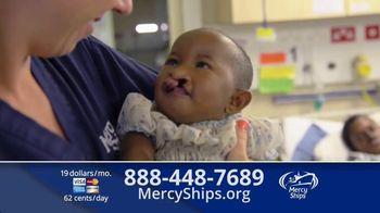 Mercy Ships TV Spot, 'Lining Up' - Thumbnail 6