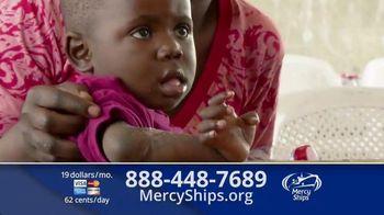 Mercy Ships TV Spot, 'Lining Up'