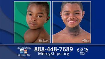 Mercy Ships TV Spot, 'Lining Up' - Thumbnail 9