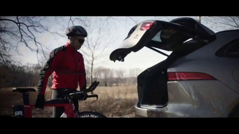 Jaguar F-PACE TV Commercial, 'Jimmy & Kayper' [T1]