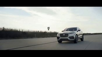 Jaguar F-PACE TV Spot, 'Jimmy & Kayper' [T1] - Thumbnail 8
