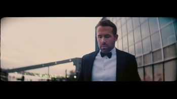 Giorgio Armani Code TV Spot, 'Darkroom' Featuring Ryan Reynolds, Song by The Dead Weather
