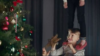 Famous Footwear TV Spot, 'Holiday: Never Ending Tree'