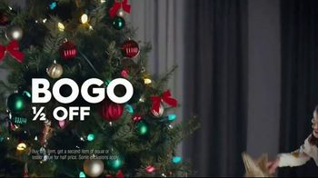 Famous Footwear TV Spot, 'Holiday: Never Ending Tree' - Thumbnail 10