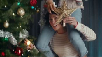 Famous Footwear TV Spot, 'Holiday: Never Ending Tree' - Thumbnail 5