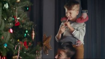 Famous Footwear TV Spot, 'Holiday: Never Ending Tree' - Thumbnail 7