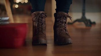 Famous Footwear TV Spot, 'Holiday Dinner Table: BOGO' - Thumbnail 4