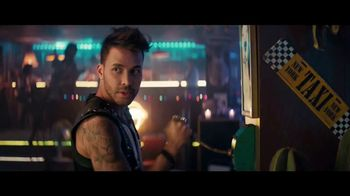 Sprint Ofertas de Black Friday TV Spot, 'Roadside Bar: S10' con Prince Royce [Spanish] - 245 commercial airings