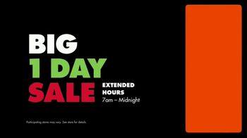 Big Lots Big Black Friday Sale TV Spot, 'Ho-Ho-Whoa: Fireplaces' - Thumbnail 5