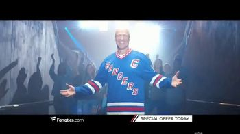 Fanatics.com TV Spot, 'Hockey Fans Celebrate NHL Legends' - Thumbnail 4
