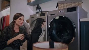 OxiClean Dark Protect Laundry Booster TV Spot, 'Keep Dark Clothes Dark Longer' - Thumbnail 8