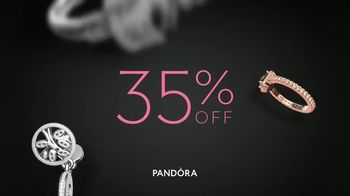 Pandora Black Friday Savings TV Spot, 'Catch Your Favorite Pieces' - Thumbnail 4