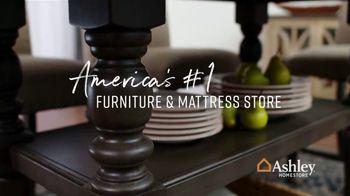 Ashley HomeStore Black Friday Sneak Peak TV Spot, 'Aldwin Panel Bed, Harrietson Sofa' - Thumbnail 8