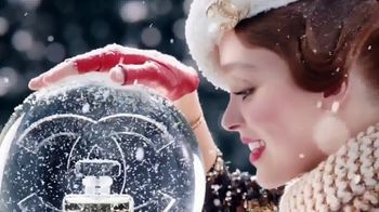 Chanel No. 5 L'EAU TV Spot, 'Crystal Snow Globe' Featuring Lily-Rose Depp