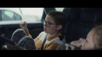 Apple iPad TV Spot, 'Holiday: The Surprise' Song by Michael Giacchino - Thumbnail 1