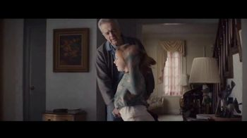Apple iPad TV Spot, 'Holiday: The Surprise' Song by Michael Giacchino - Thumbnail 5