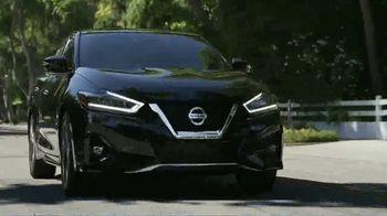 Nissan TV Spot, 'Heisman House: Bo vs. Derrick' [T1] - Thumbnail 2