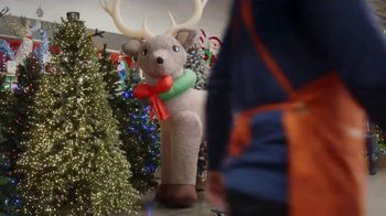 The Home Depot TV Spot, 'Holidays Are Here: Free Delivery' - Thumbnail 5