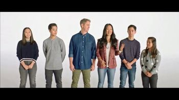 Verizon TV Spot, 'French Family: Motorola razr $700' - Thumbnail 3